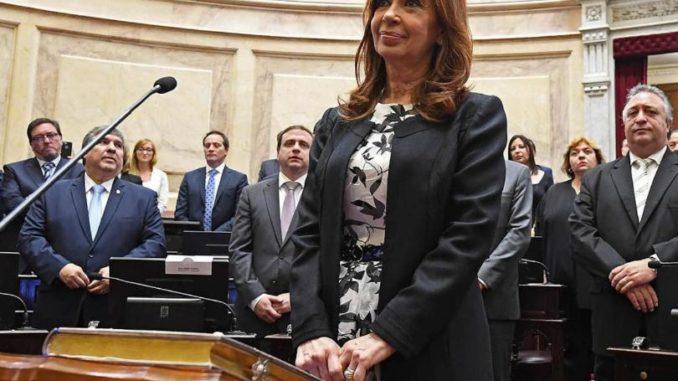 La única ausente: ¿por qué Gladys González no juró como senadora?