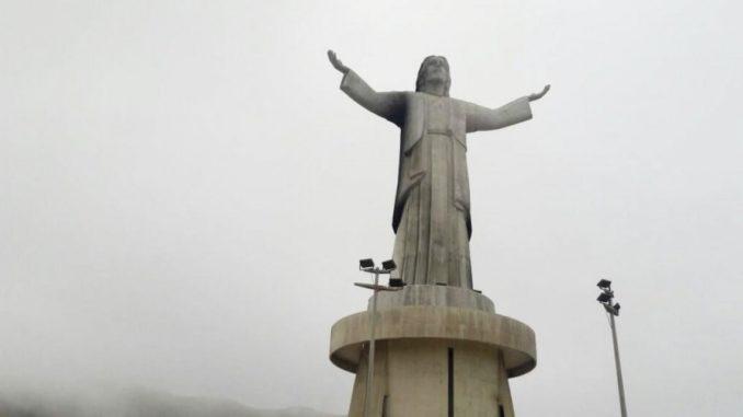 Alan García lamenta incendio que dañó monumento — Cristo del Pacífico